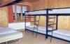Ein Schlafzimmer mit Etagenbetten